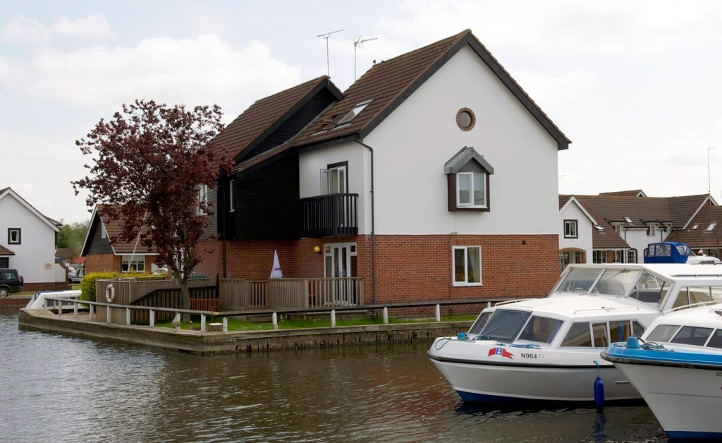 fair-view-lodge-wroxham-norfolk-broads-cottages
