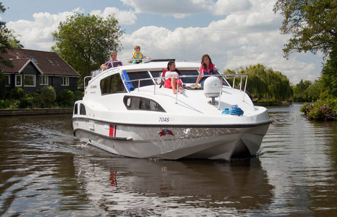 fair sovereign boating holidays norfolk broads