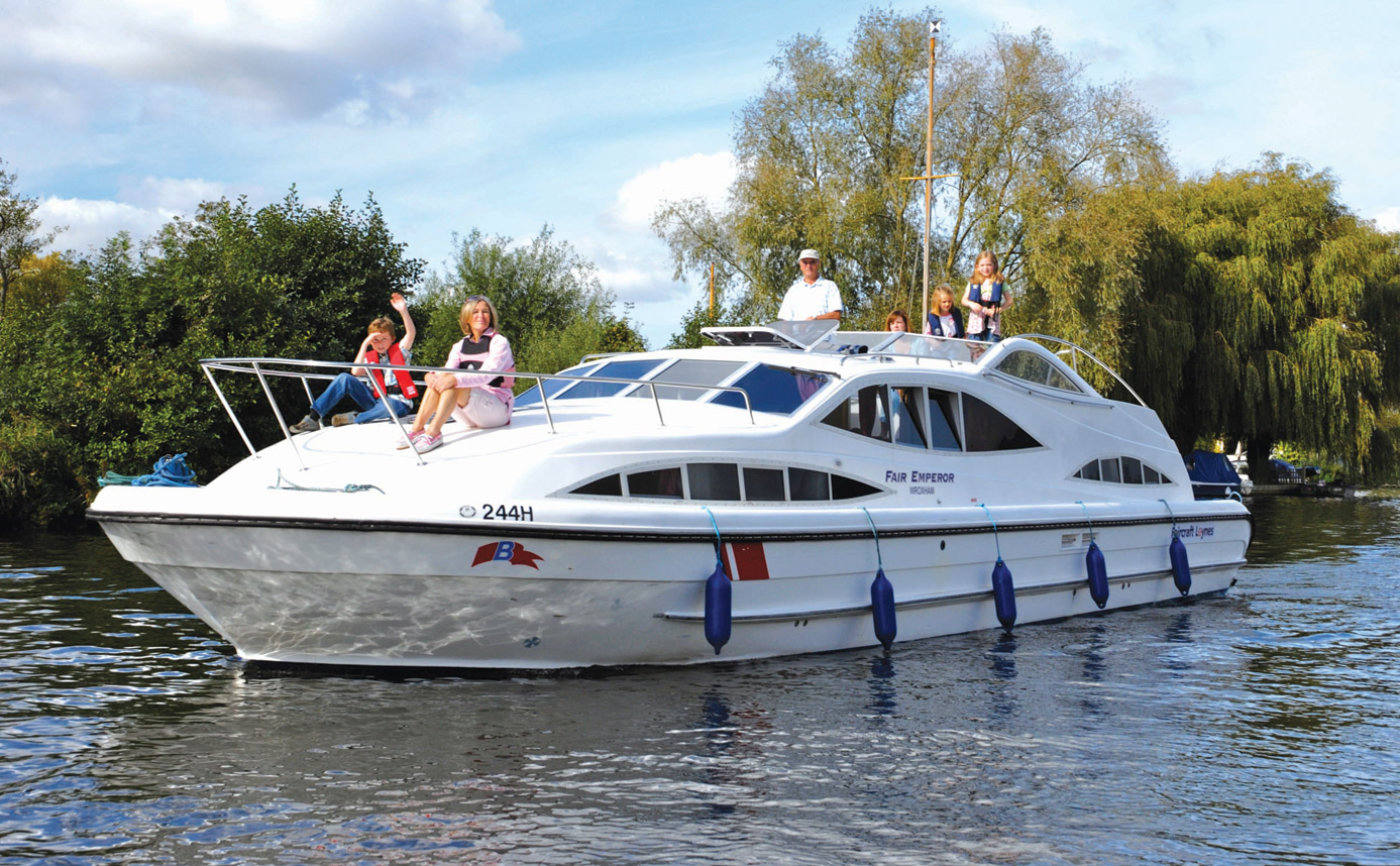 fair emperor boat hire norfolk broads