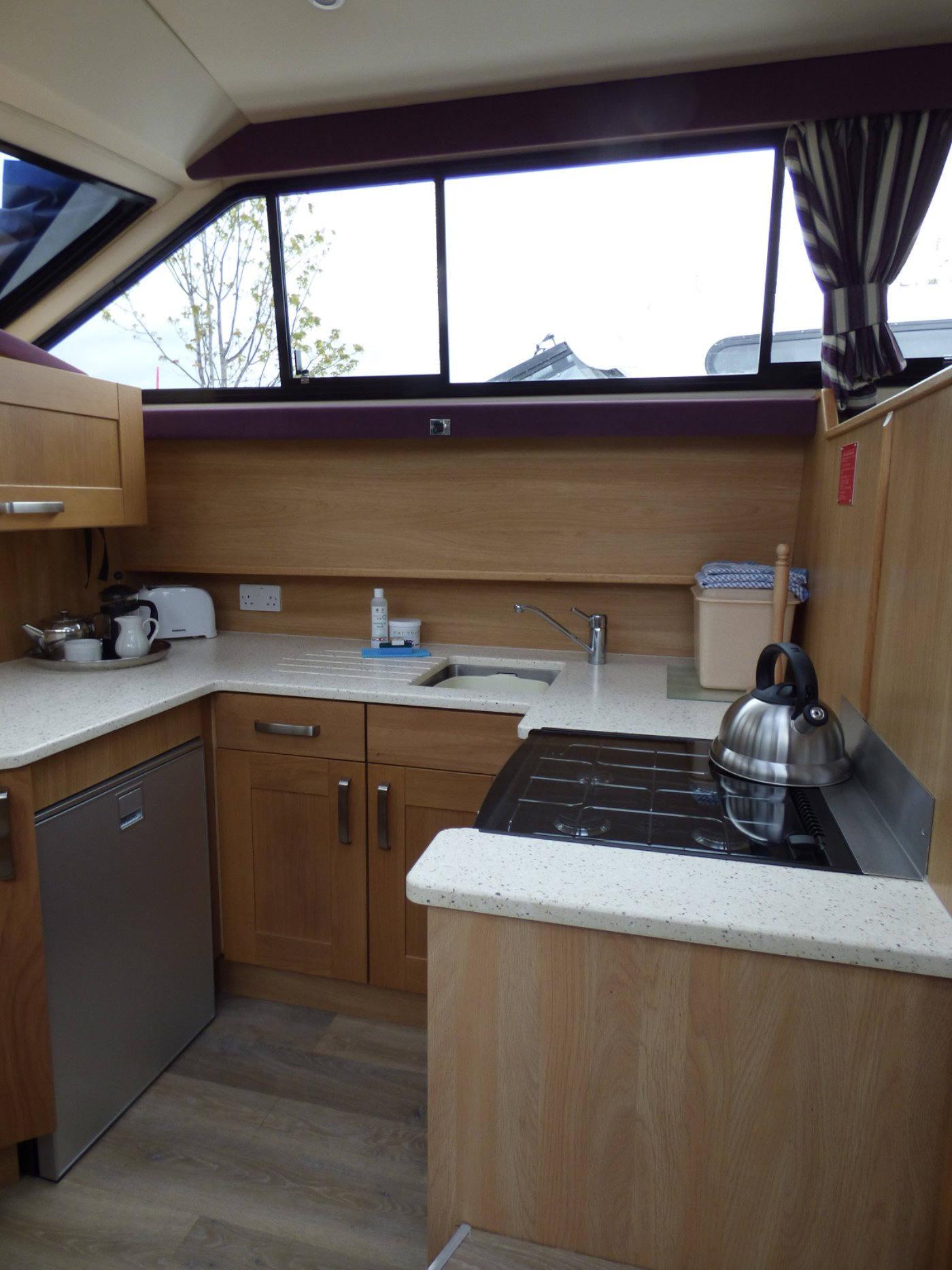 Broads Cruiser Kitchen