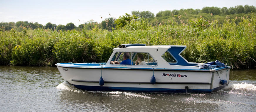 Standard Day Boat hire wroxham