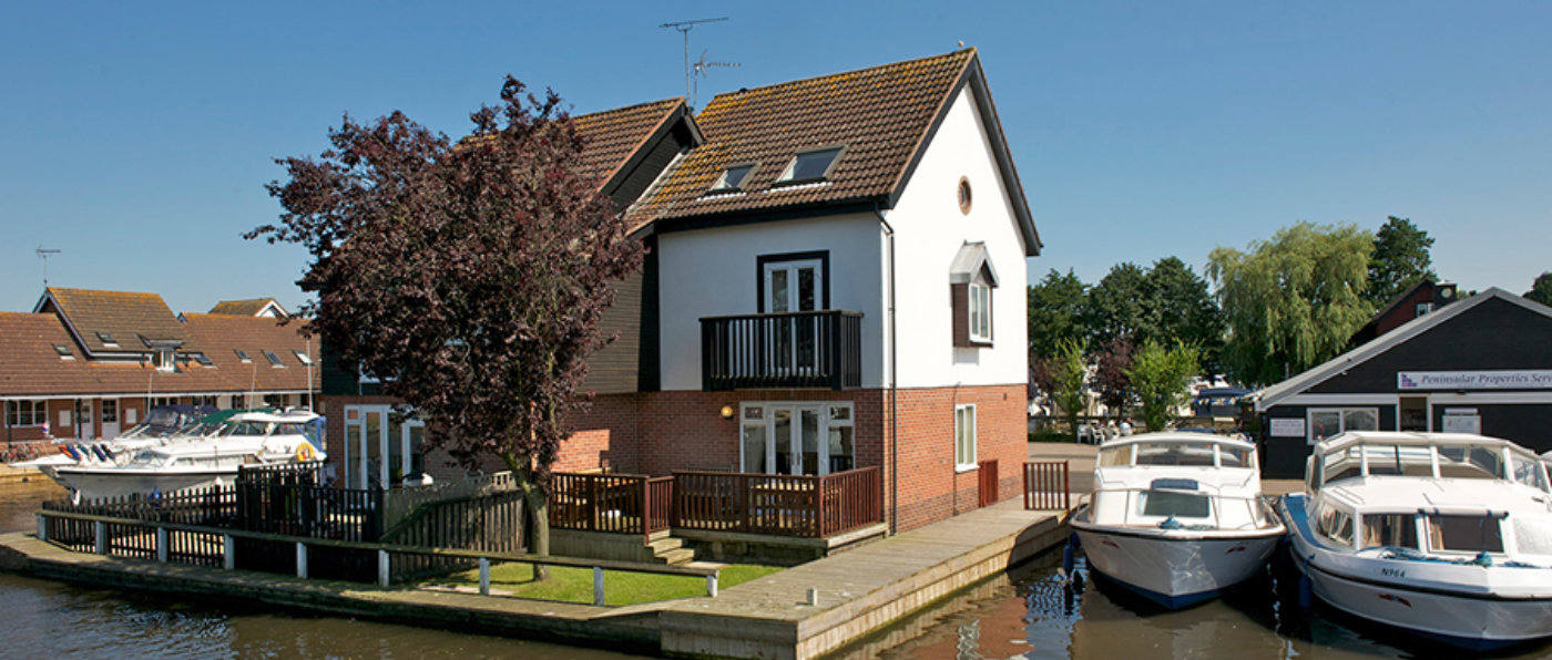 cottage holidays on the norfolk broads