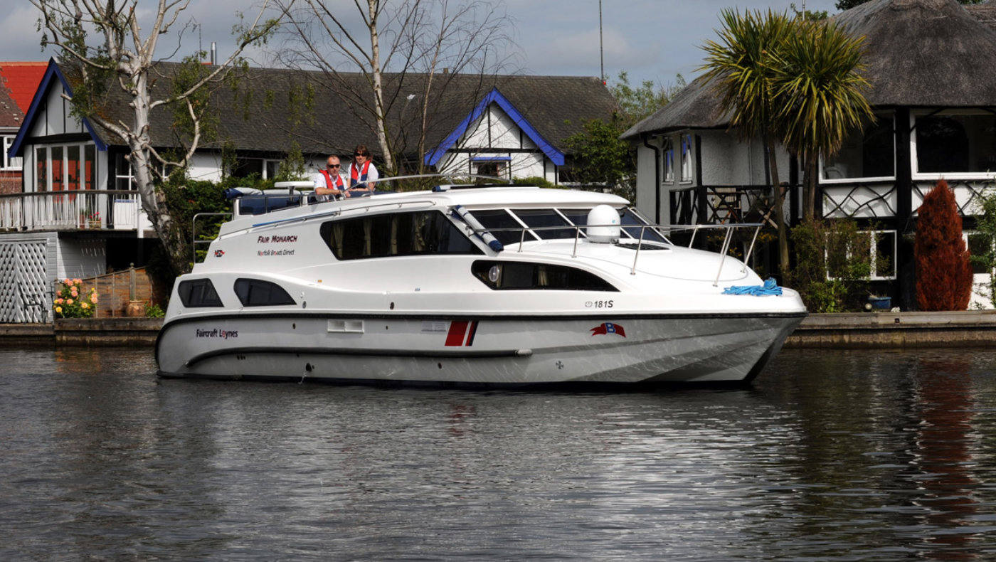 fair monarch boat hire on the norfolk broads