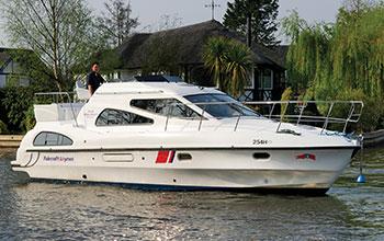 Fair Diplomat boating holidays