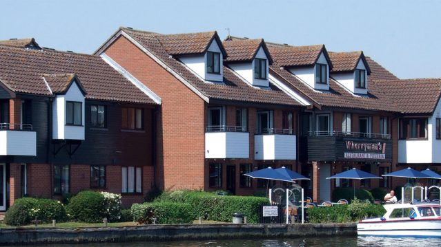 Holiday homes on the broads-thumb